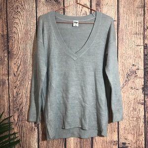 Tokyo Darling Sweater M Gray V Neck